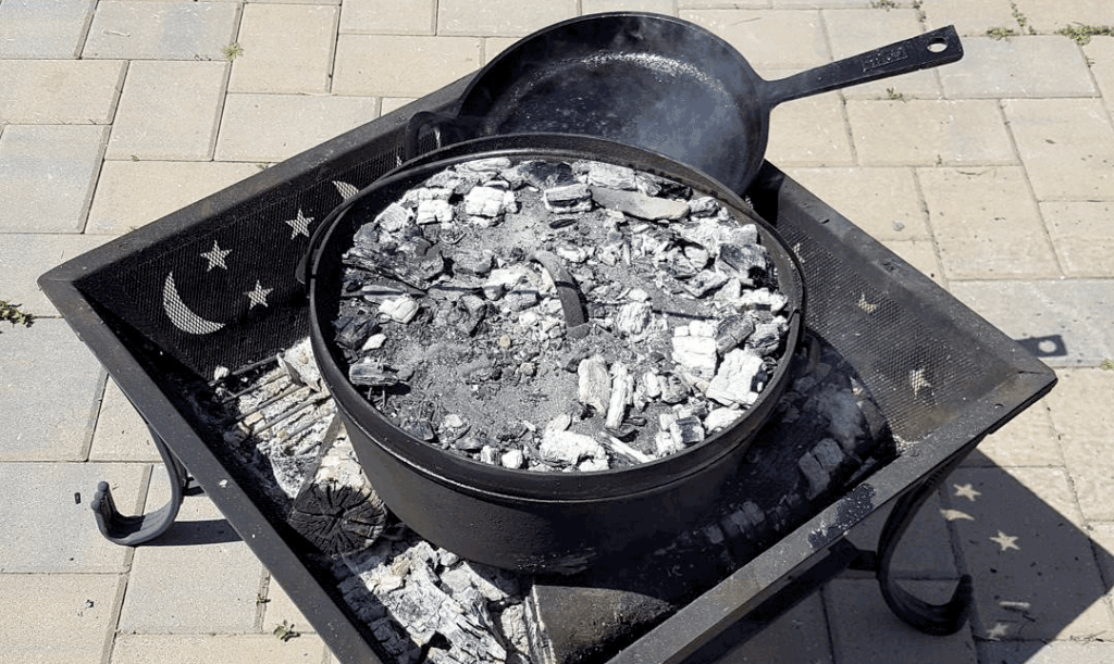 Dutch Oven cooking preppers